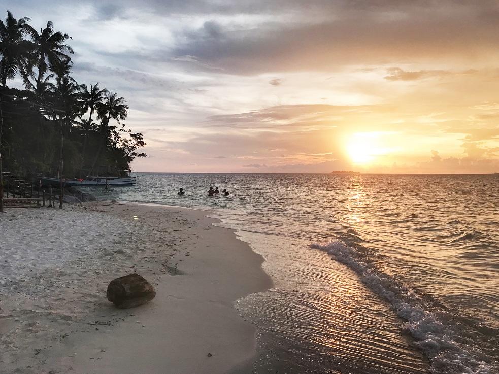 karimunjawa indonézia naplemente
