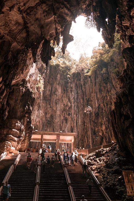 Batu barlangok belülről Kuala Lumpurban