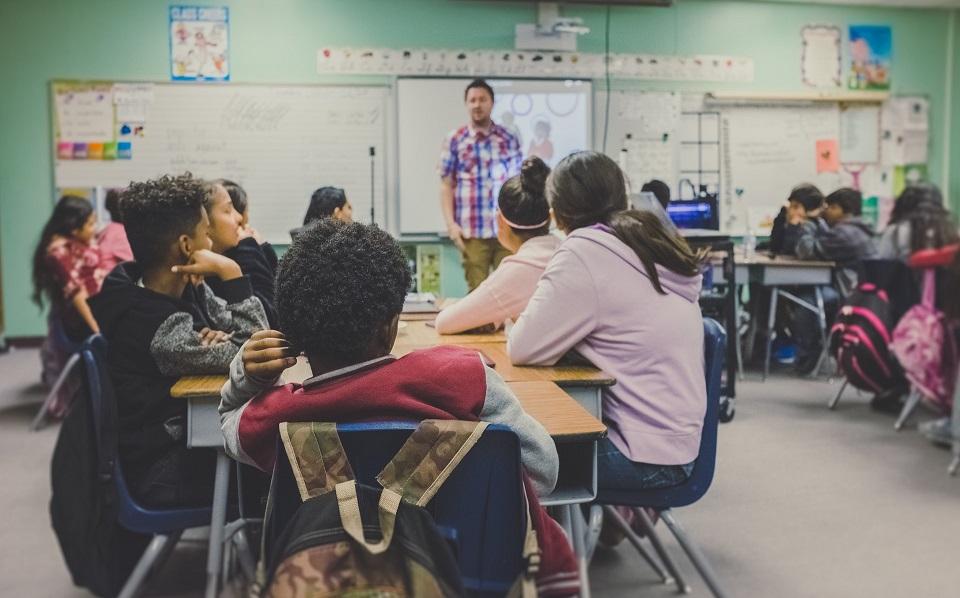 angoltanítás külföldön ázsiában és afrikában