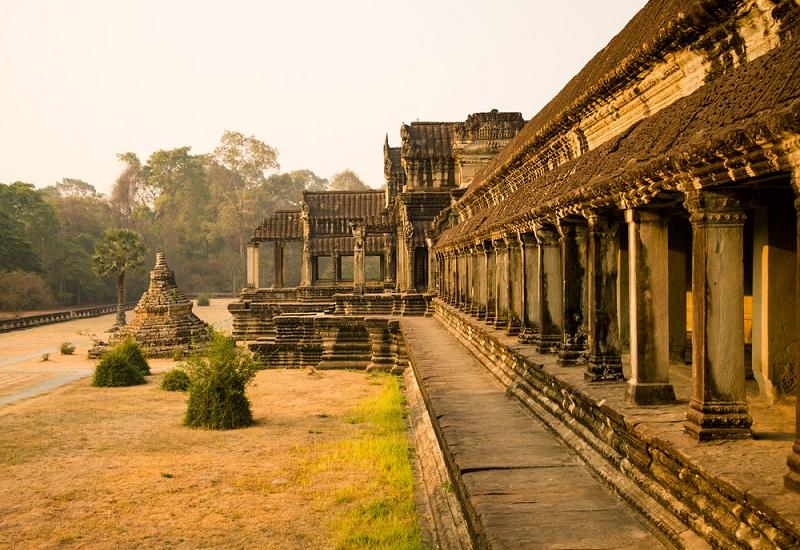 Angkor Wat templom Kambdodzsában a dzsungelben