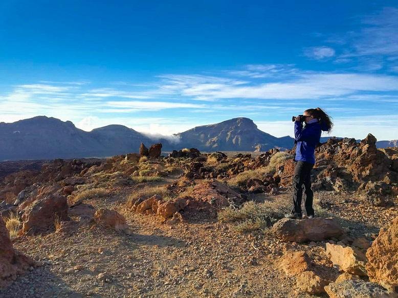 Holdbéli táj Tenerifén a Teide nemzeti parkban