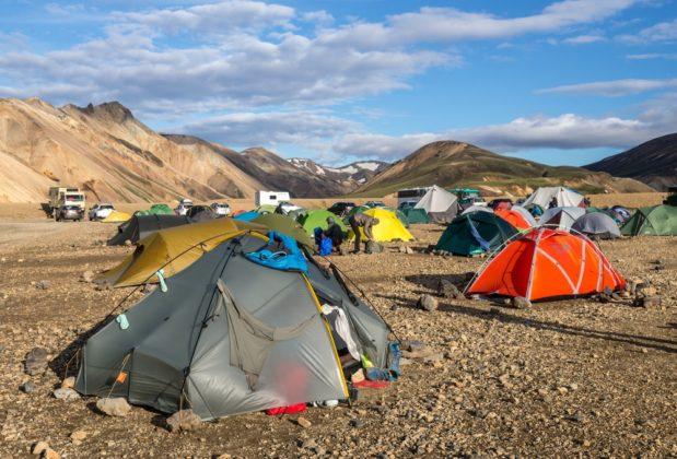 Laugavegur trekking Landmannalaugar kemping Izland