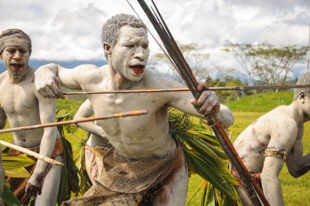 Pápua törzsek Új-Guineában