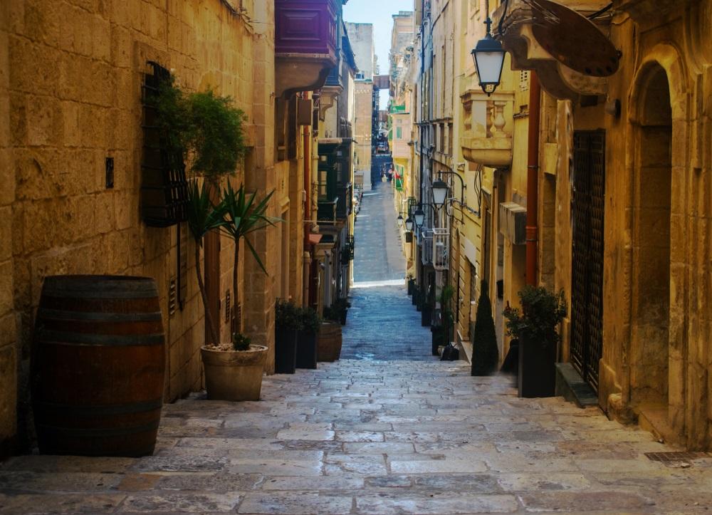 Strait street utca Málta Valletta látnivalók és nevezetességek