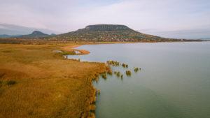 Balaton a magyar tenger nádassal