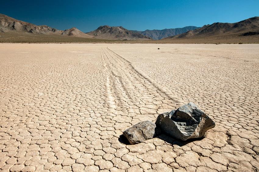 halál-völgy death valley mélyföld vitorlázó kövek